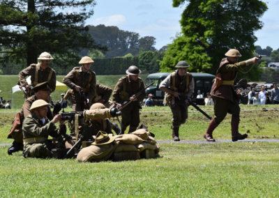 Armistice in Cambridge NZ: 2018 Military Battle with machine gun